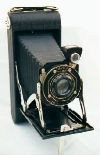 Kodak Junior Six 16 folding camera near mint.